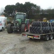 Fitting tyres to Fendt